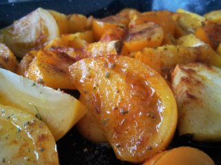 Roasted yellow tomato sauce