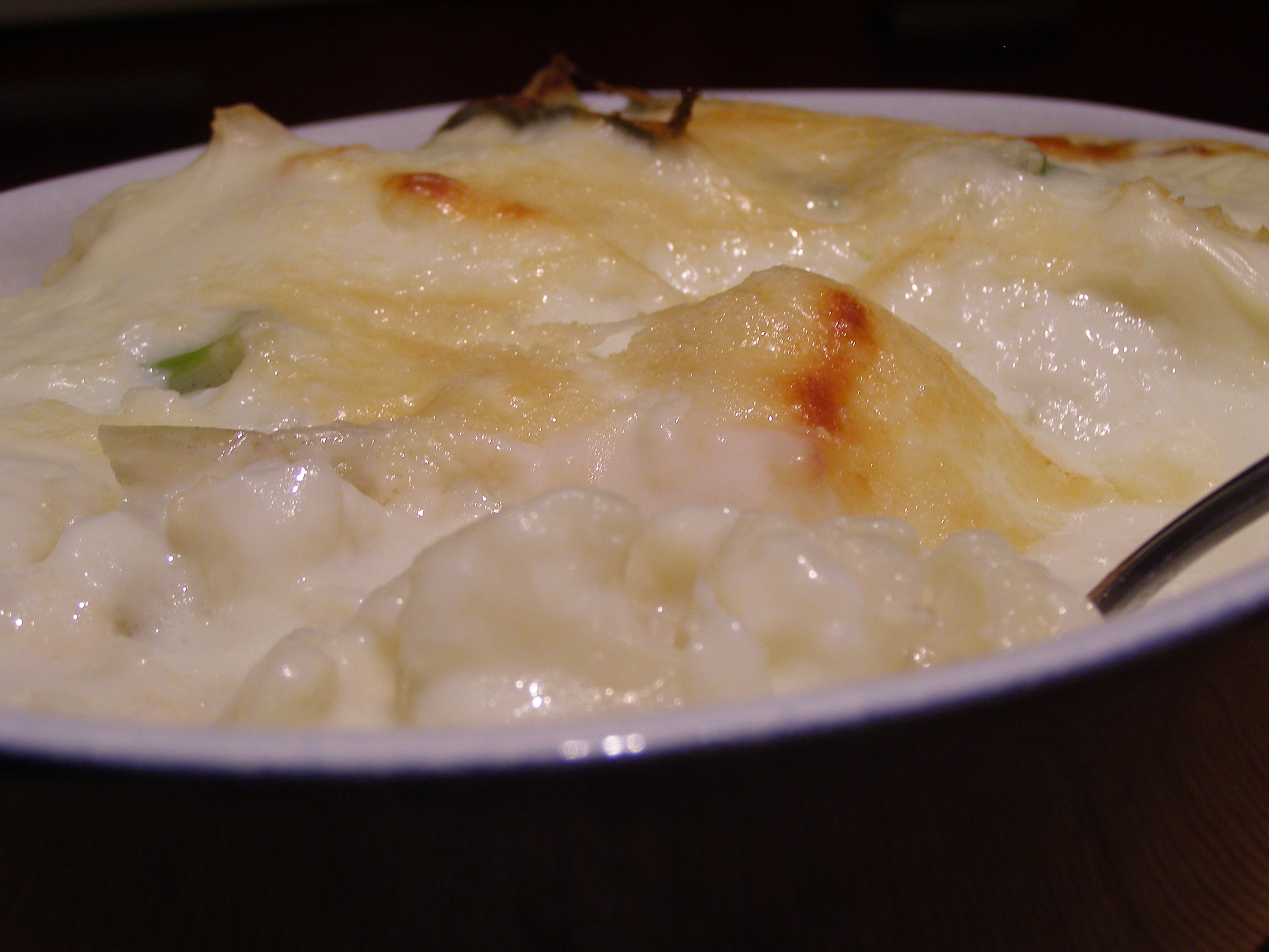 Baked cauliflower cheese with chives